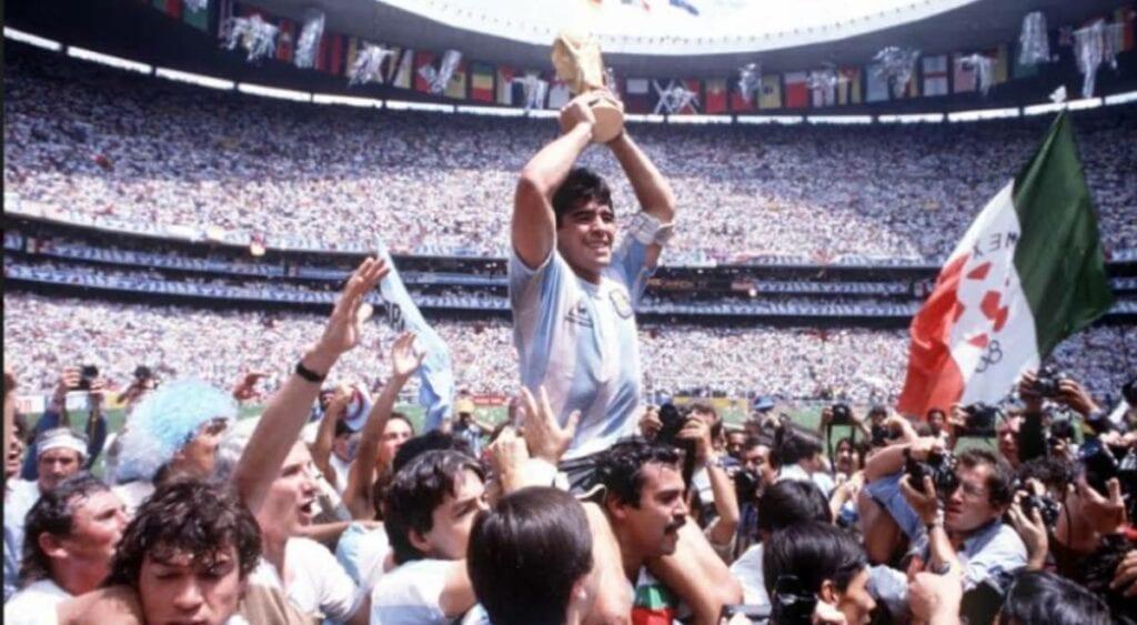 Diego Armando Maradona y los mejores momentos del inmortal 10 argentino (videos y fotos)