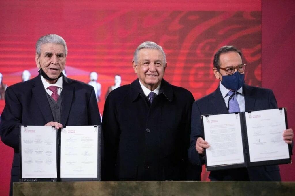 El acuerdo contra el outsourcing se firmó en Palacio nacional.