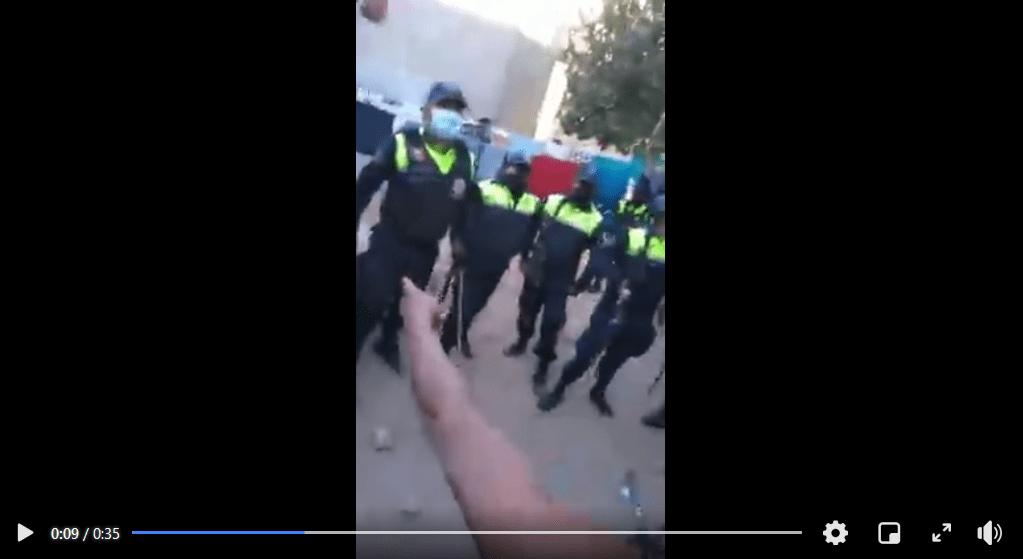 Policías entran a una casa y matan a un civil (video)_01