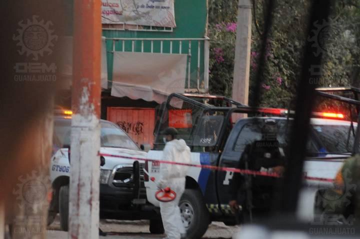 Entre las comunidad Los Rodríguez y Cerritos en Silao; Guanajuato, ocurrió una balacera de la cual se reporta la muerte de un elemento de las Fuerzas de Seguridad Pública del Estado y de al menos otras cuatro personas.