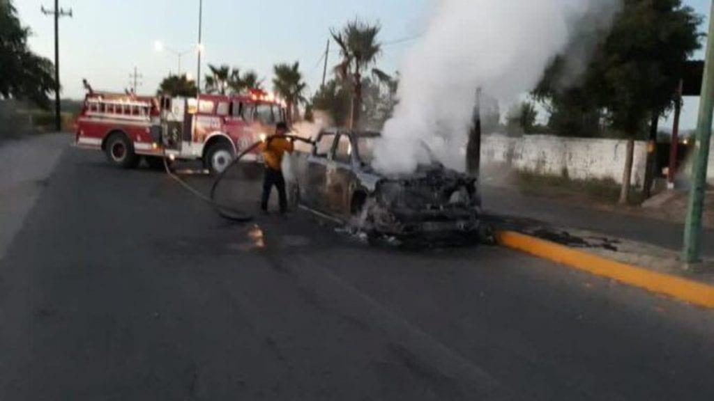 Al menos tres vehículos incendiados, cientos de casquillos de armas de grueso calibre y posiblemente heridos y muertos fue el saldo que dejó un fuerte enfrentamiento entre grupos de sicarios rivales en la sindicatura de Pericos, Mocorito.