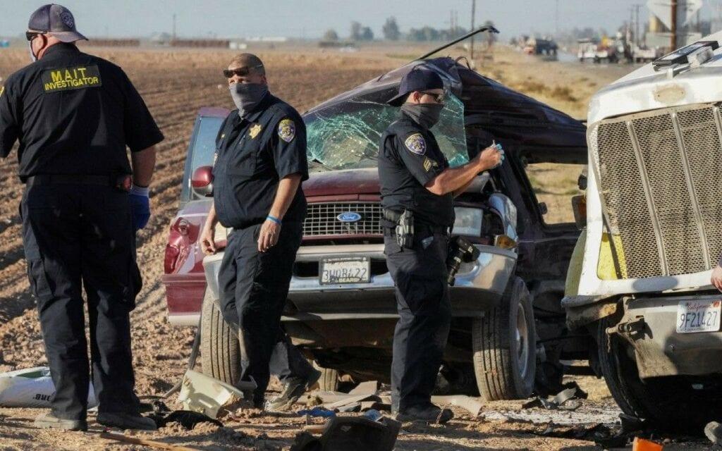 Al menos diez mexicanos murieron en el accidente automovilístico en la zona de Imperial Valley, en California, informó la Secretaría de Relaciones Exteriores.