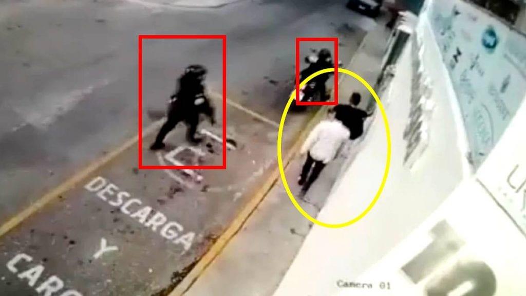Video policías disparan sin motivo a empleados de herrería