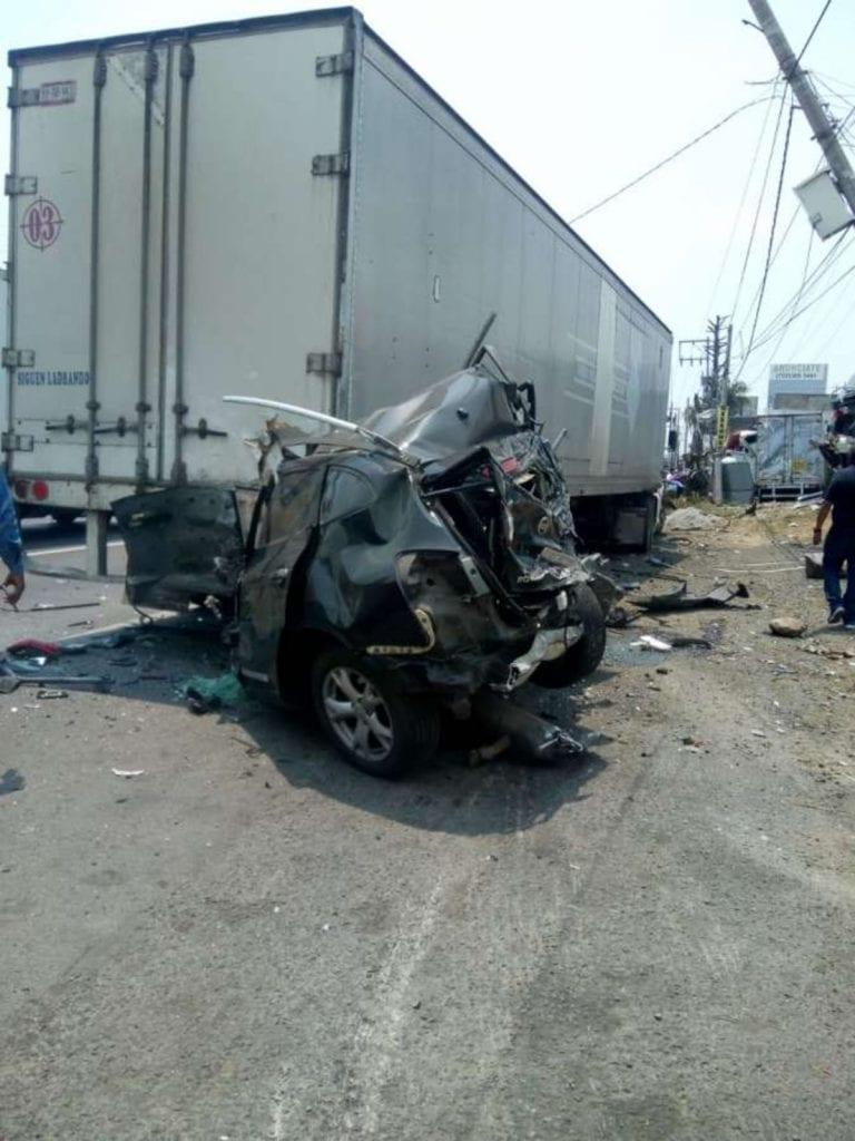 Se registró un fuerte accidente vehicular múltiple en la carretera México-Toluca, específicamente la altura de Río Hondito, en Ocoyoacac con dirección a Toluca.