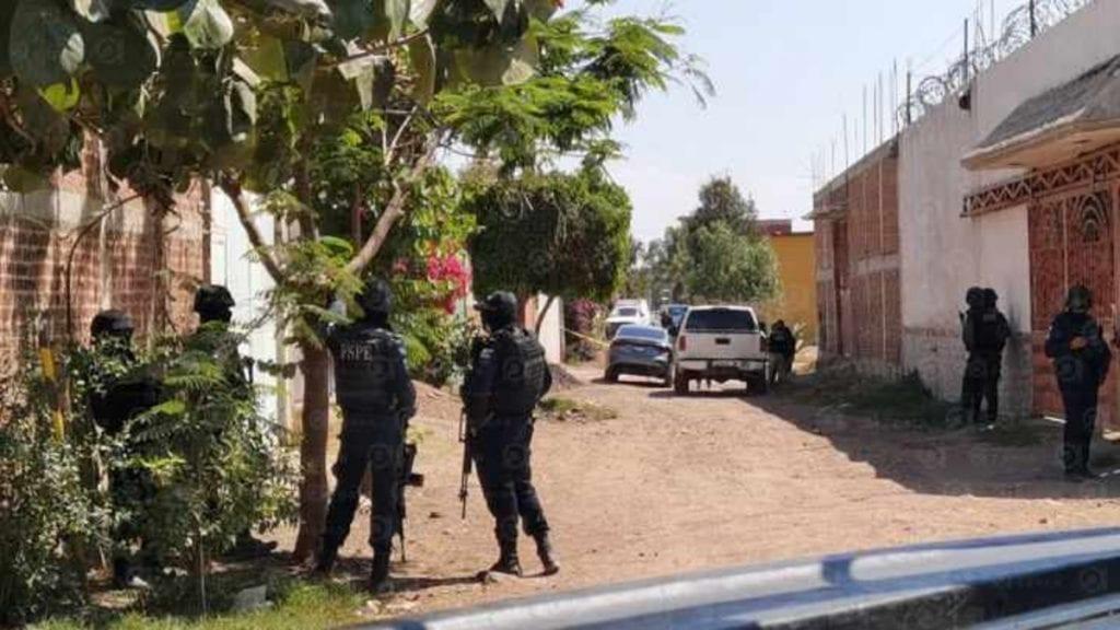 Una balacera entre civiles armados y elementos de la Agencia de Investigación Criminal, en la comunidad de La Mojonera, en Irapuato, Guanajuato, dejó al menso 5 personas sin vida, entre ellos un ministerial.
