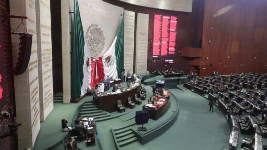 La Cámara de Diputados aprobó en lo general la reforma a la Ley de Hidrocarburos pese a advertencias sobre aumento en precio de combustibles y lluvia de amparos por la revocación de permisos