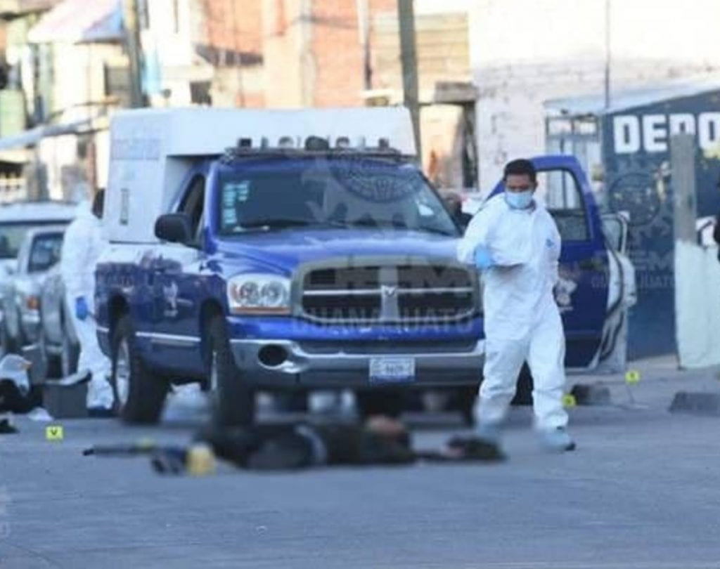 Cinco muertos fue el saldo tras un enfrentamiento entre elementos de las Fuerzas de Seguridad Pública del Estado y civiles armados en la colonia Emiliano Zapata II, de Irapuato, Guanajuato.