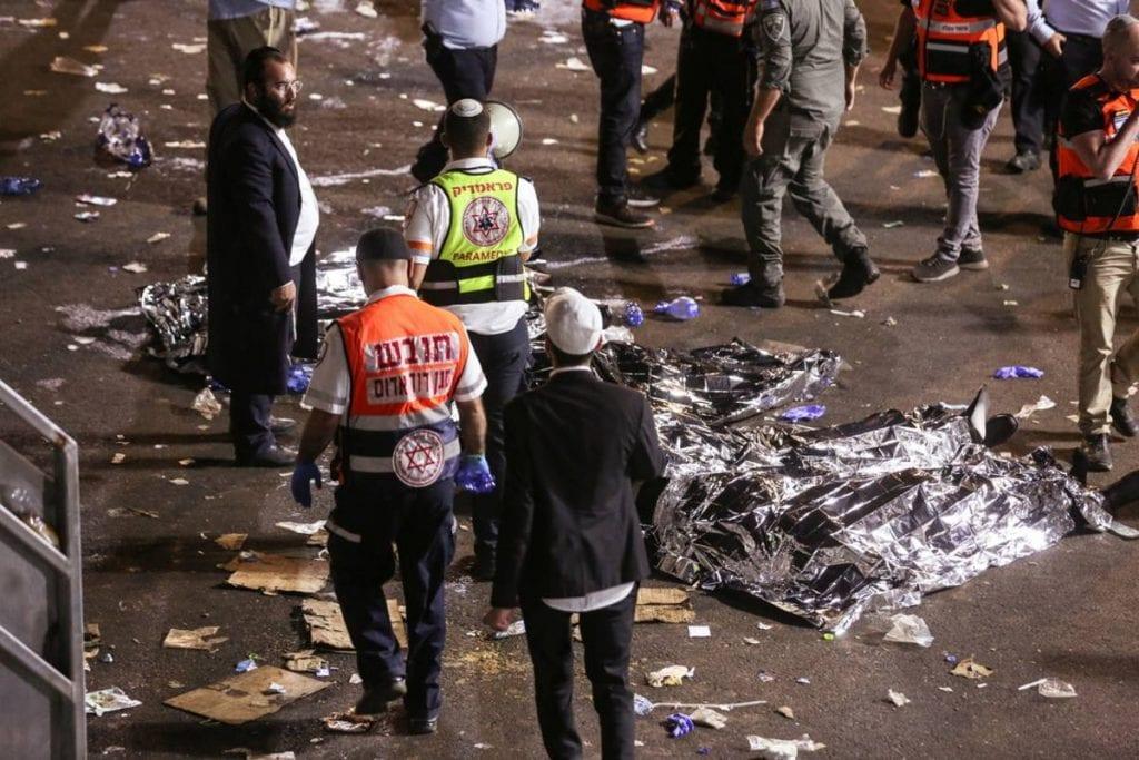 Decenas de personas murieron y al menos 100 personas resultaron heridas, muchas de ellas en estado crítico, después de que un graderío colapsara y se produjera una estampida durante el festival religioso de Lag Ba'omer celebrado este jueves en el Monte Merón, en Israel.