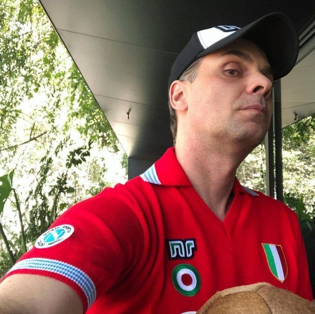 El comentarista de TV Azteca, Christian Martinoli, mostró su antipatía que le tiene al América, pues le lanzó una advertencia a sus hijas Chiara y Chloe, a quienes les dijo que nunca deben apoyar al equipo de Coapa.