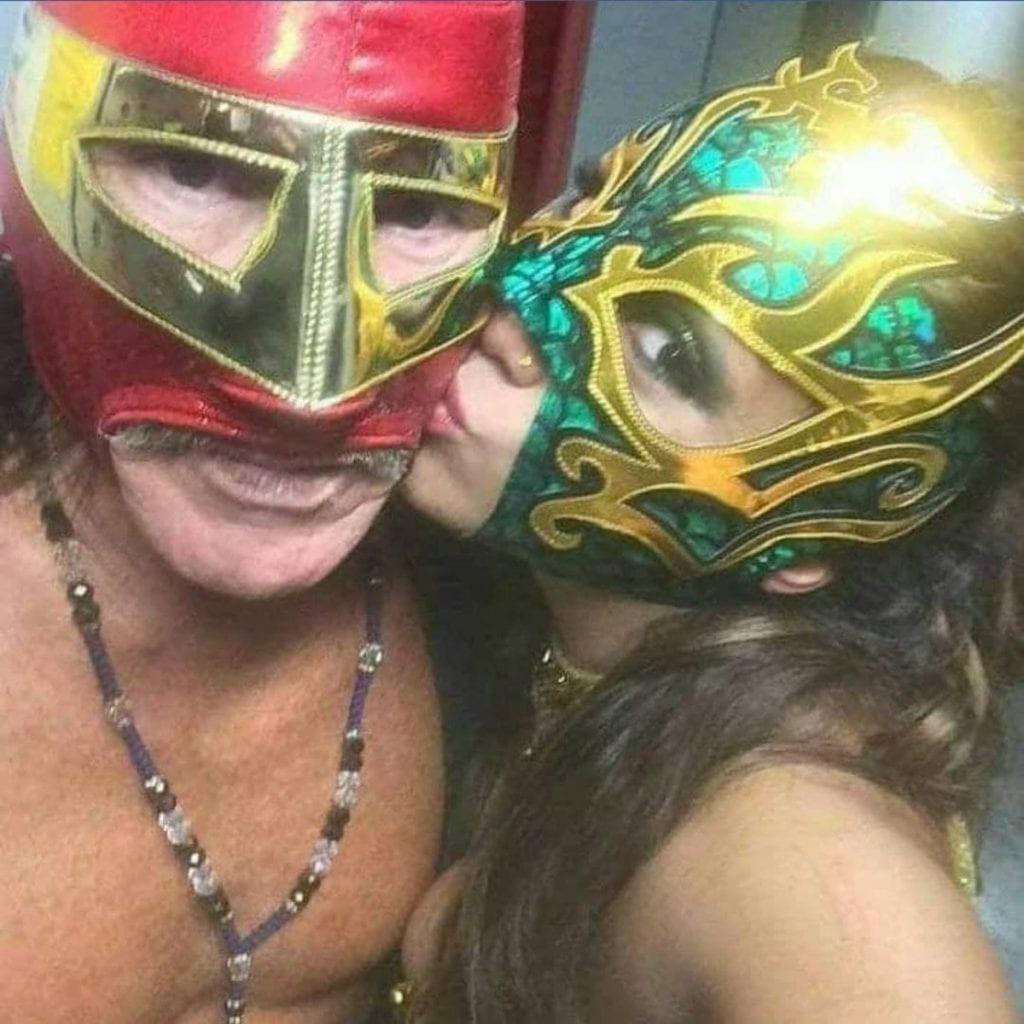 Los luchadores Sangre Chicana Jr y La Hiedra, hijos del legendario gladiador Sangre Chicana, han sido señalados por presunto abuso sexual en contra de una menor de edad, en un poblado de Coahuila.
