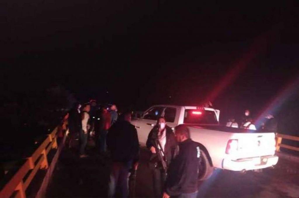 Se registró un enfrentamiento entre Policías de Investigación y presuntos miembros de un grupo delictivo en la carretera de cuota Tenango-Ixtapan de la Sal, Estado de México, aunque no se reportaron personas heridas.
