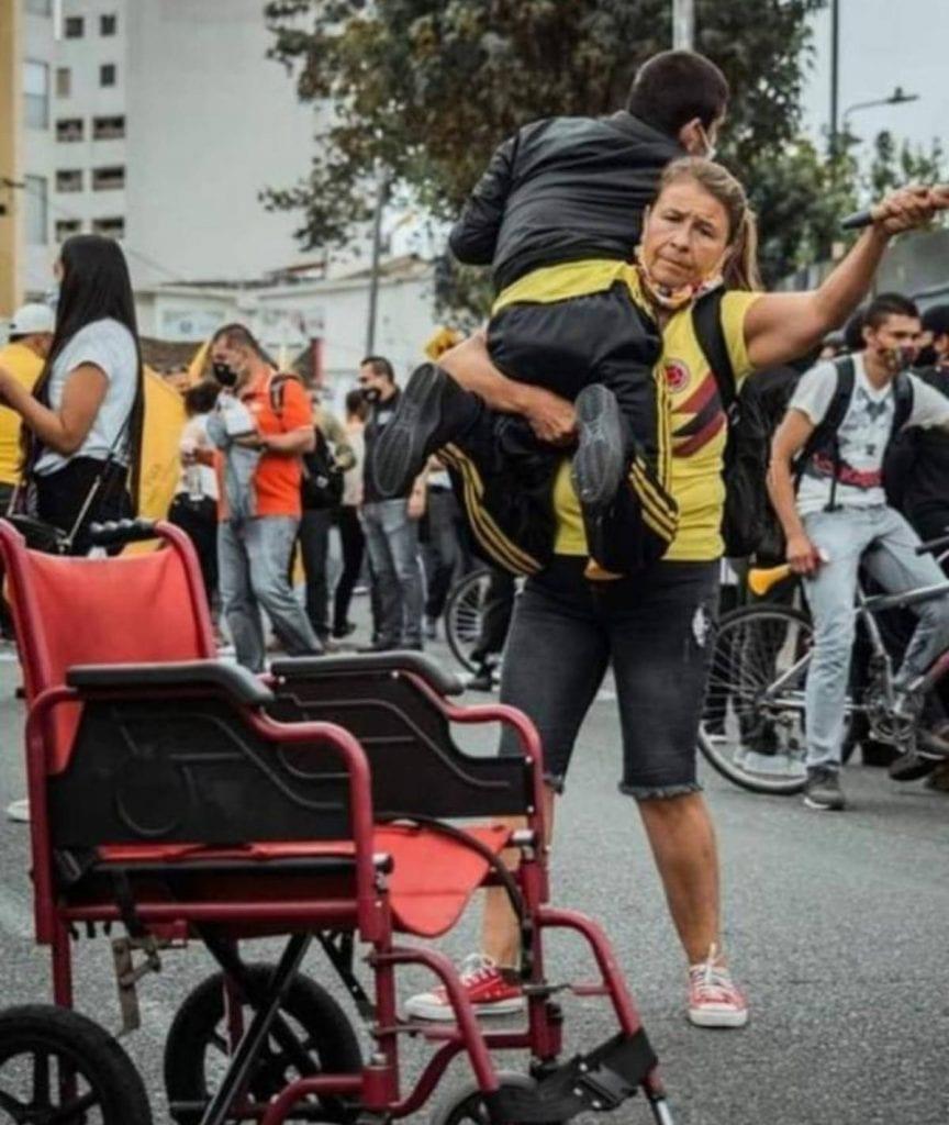 Las protestas contra el Gobierno del presidente de Colombia, Iván Duque, han dejado en el país sudamericano al menos 24 muertos en una semana, según ha informado este miércoles la Defensoría del Pueblo.