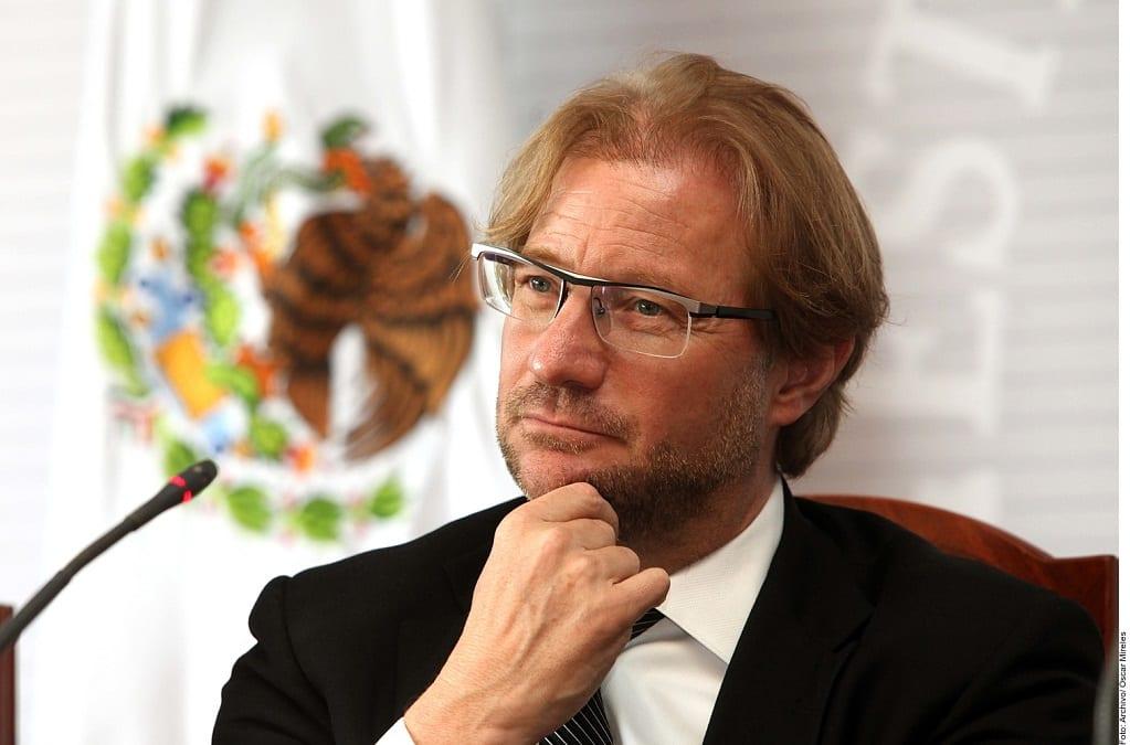 Andrés Roemer.