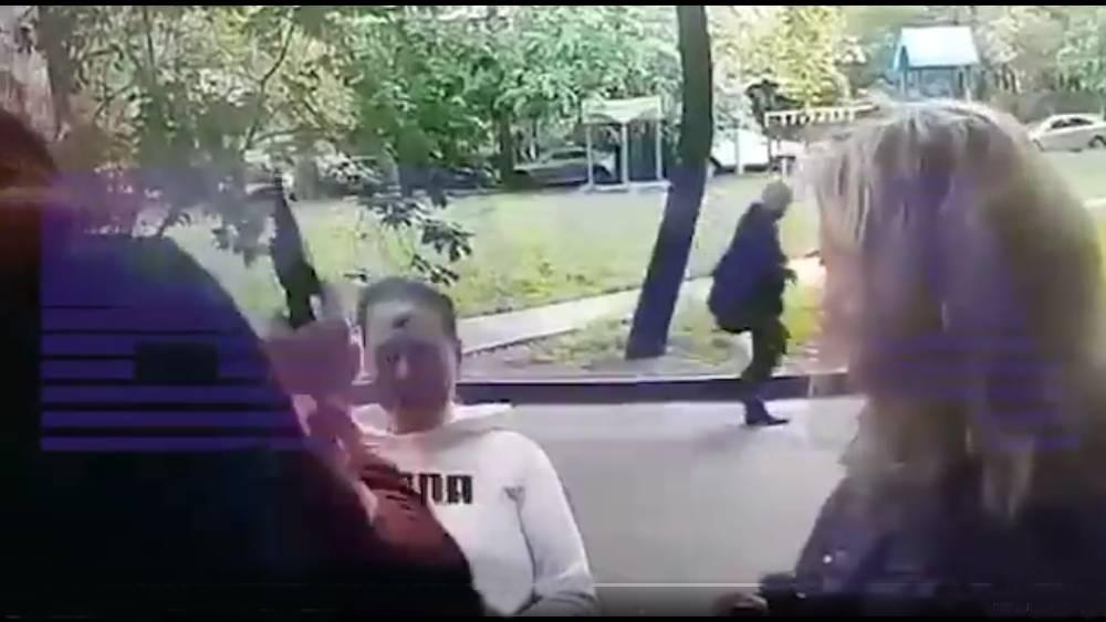 Video: hombre dispara bala de salva en la frente de una mujer y puede ir a prisión_01