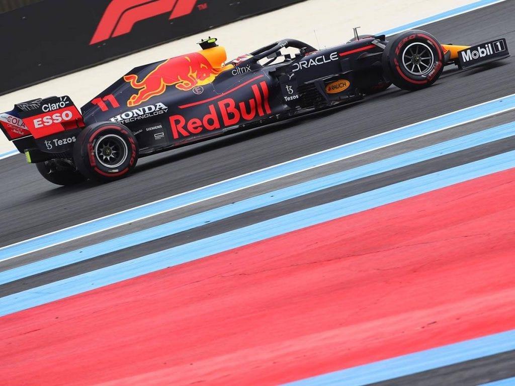 En la calificación del Gran Premio de Francia de la F1. Max Verstappen obtuvo la primera posición, seguido de Lewis Hamilton, donde el mexicano Sergio 'Checo' Pérez mejoró el ritmo que mostró ayer y finalizó en la cuarta posición en el circuito Paul-Ricard.