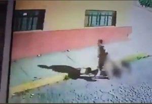"""Elementos de la Fiscalía Regional de Tlalnepantla de la Fiscalía General de Justicia (FGJEM) detuvieron e ingresaron a un Penal estatal a Salvador """"N"""" de 57 años de edad, quien es investigado por su probable participación en el homicidio de un hombre de 46 años, en la colonia Jorge Jiménez Cantú"""