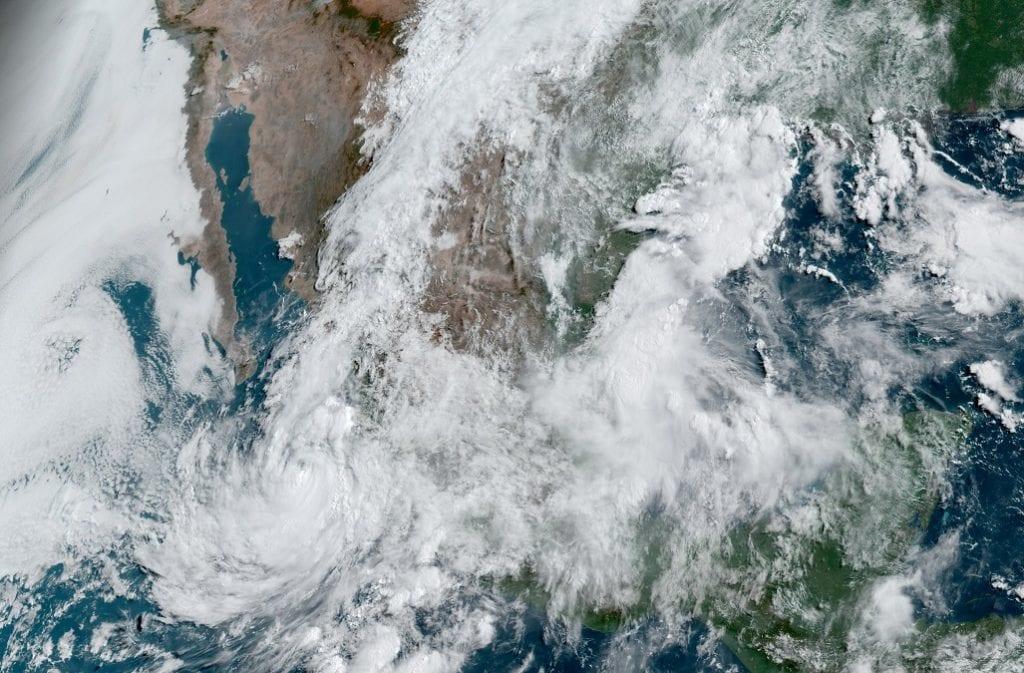 huracan-enrique-lluvias