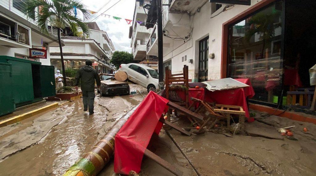 nora-rios-proteccion-civil-huracan