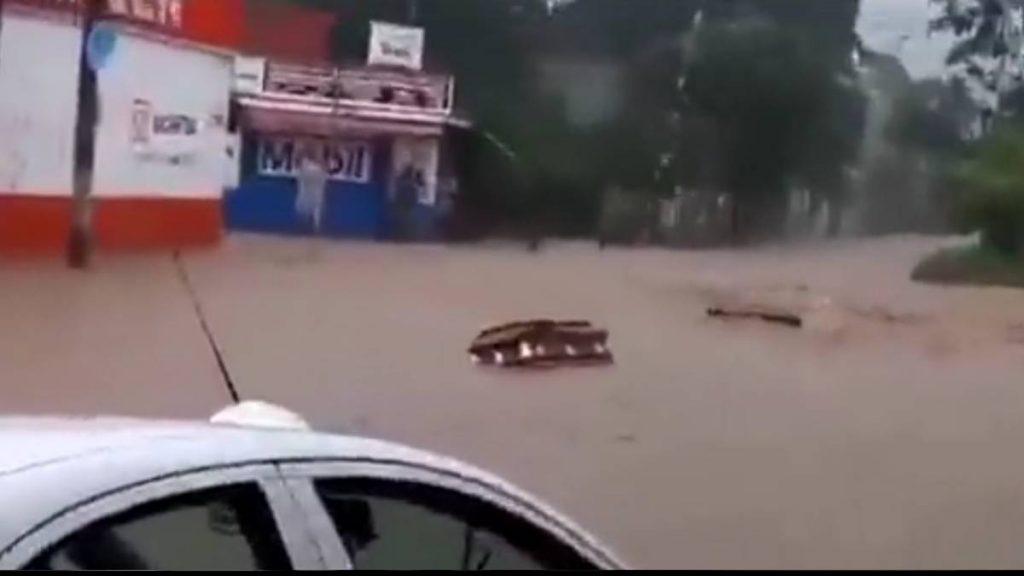 Al menos siete muertos suman en la ciudad de Xalapa, capital de Veracruz, donde las intensas lluvias generadas por Grace dejaron dos deslaves en colonias de las periferia.